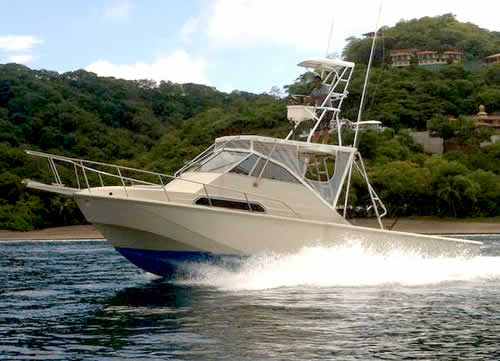Fishing boat in Papagayo - Guanacaste Captain Nayo