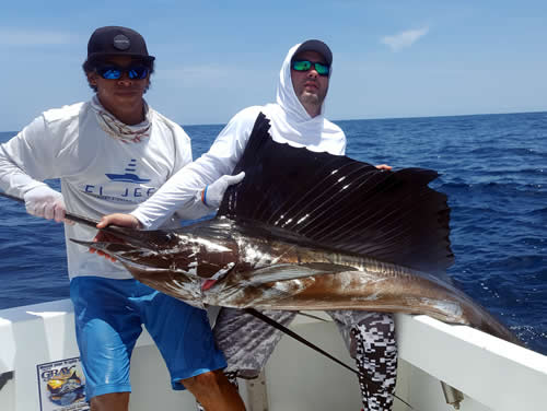 Inshore Fishing out of Playa del coco