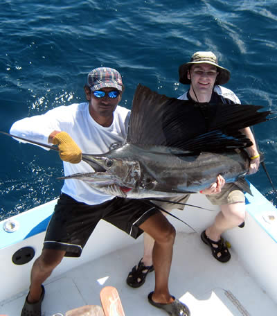 Fishing charters out of the Grand Papagayo resort deep sea fishing in golfo de Papagayo and Tamarindo region